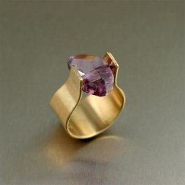 Simple by design, this bold ring showcases a 7 carat #Amethyst gemstone in a contemporary handmade brushed bronze setting. Slip it on anytime you want to wear something that's contemporary and chic.: Bronze Rings, Amethysts Rings, Amethysts Bronze, Carat Amethysts, Bronze Sets, Brushes Bronze, Amethysts Gemstone, Bold Rings, Handmade Jewelry