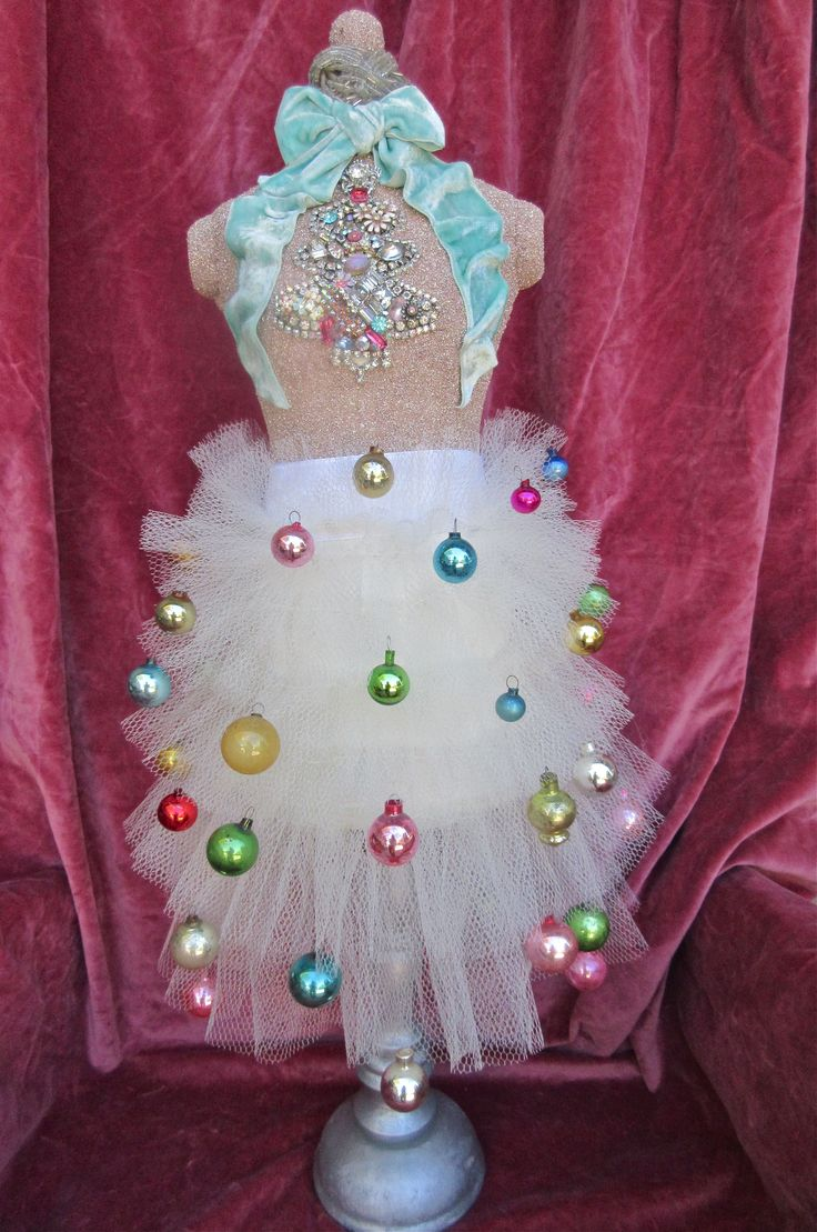 Tree skirt vintage ornaments vintage jewelry tree bodice velvet bow