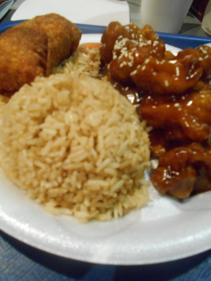 Mr.Kans chinese food at the Lexington Center,Lexington KY....de-lish !!...egg roll, general toas chicken & rice...Mmm