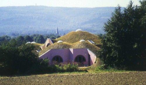 Šikmé zelené střechy - ekologické a ekonomické výhody, pasivní vytápěcí a chladicí efekt - TZB-info