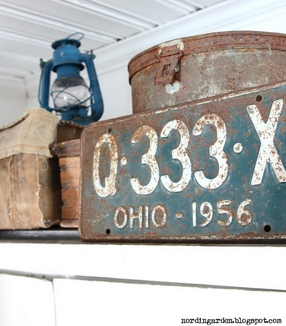 rusty license plate