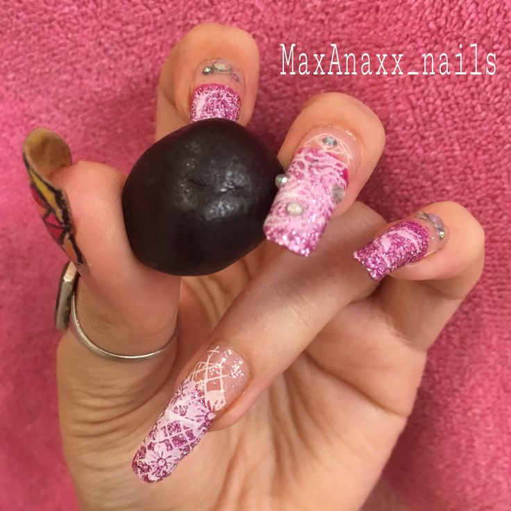Girly 3d nails pink