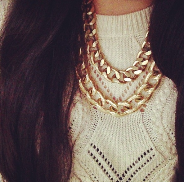 white sweater & gold chain necklace