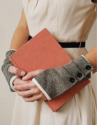 The Dalliance Glove e-pattern.