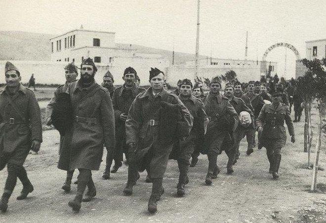 Το ημερολόγιο της εκστρατείας στην Ουκρανία το 1919 γραμμένο από τον επικεφαλής των ελληνικών δυνάμεων, στρατηγό Νίδερ       « Η πόλις τ...