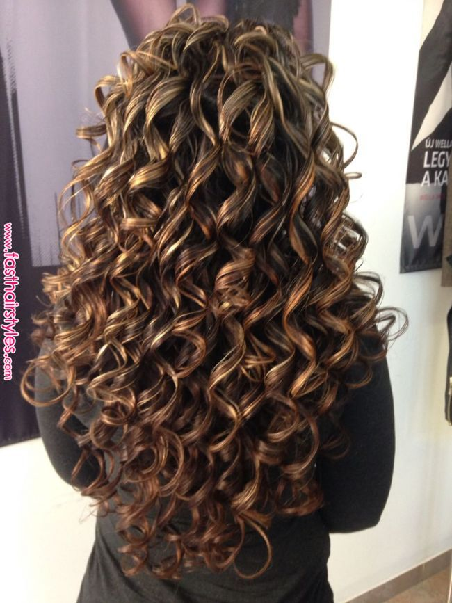 Cacheada Luzes With Images Curly Hair Styles Naturally Curly Hair Care Permed Hairstyles