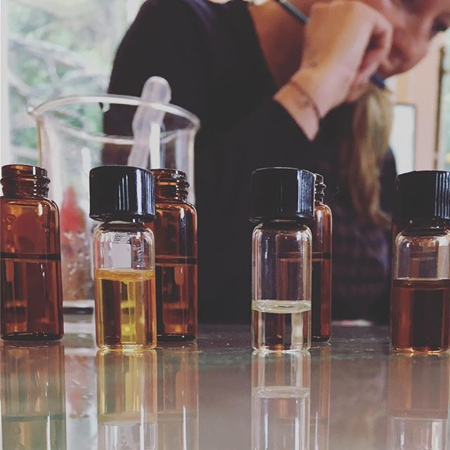 Productive morning. We are experimenting today with some beautiful new scents, including a more herbaceous version of our classic rose. Our new testers will need many more weeks to develop to their full potential, but so far.... exceptional! 💚🌈🤞#productiveday #smallbusinesslove #inspiration #naturalperfume #aromatherapy #greenbeauty #ecobeauty #noparfum #essentialoils #essentialoillove #wellingtonnz #wellingtonbusiness 💚🌈