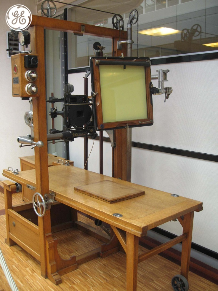 Antique X-Ray machine kept at GE Healthcare offices in Buc, Paris #ImagesRock