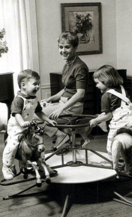 Young Debbie Reynolds And Elizabeth Taylor 297 best images about ...