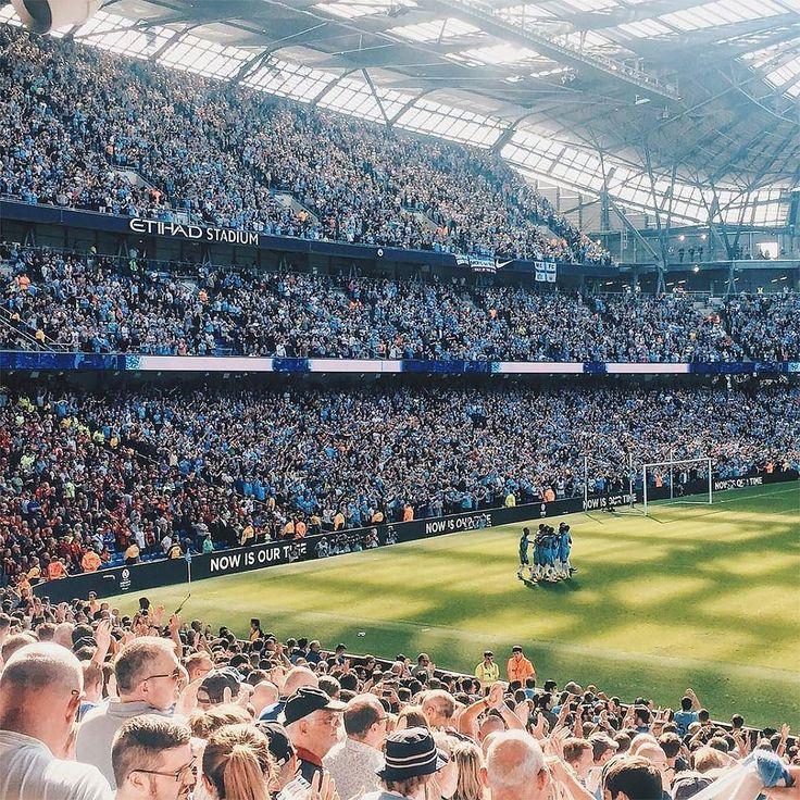 #footyfeature @pitch2court ...The weekend is almost upon us... . . . #footydotcom #fcfc #footy #footballboot #soccercleats #football #soccer #futbol #futbolsport #cleatstagram #totalsocceroffical #fussball #bestoffootball #rldesignz #footballnews #manchestercity #mancity #mcfc #goal #golazo #etihad #nike #nikefootball
