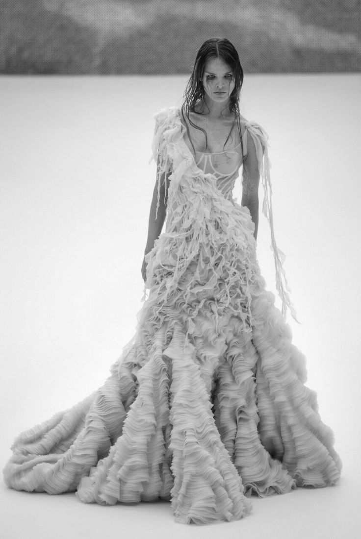Sculptural Fashion - dramatic dress with rippling textures ...
