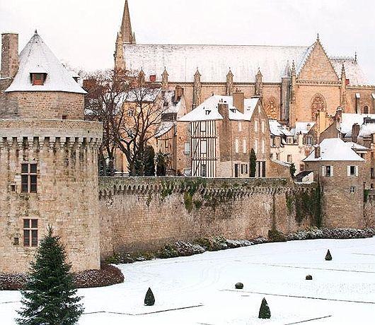 Château de Vannes - Vannes, Morbihan, Bretagne - snow!