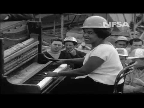 "Winifred Atwell plays ""Waltzing Matlida"" on Opera House construction site - YouTube"