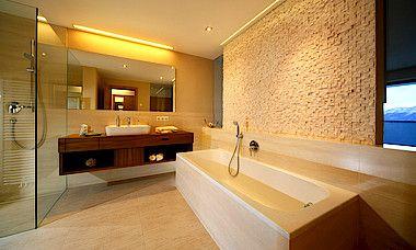 Luxuriöses Badezimmer im Doppelzimmer Ortler