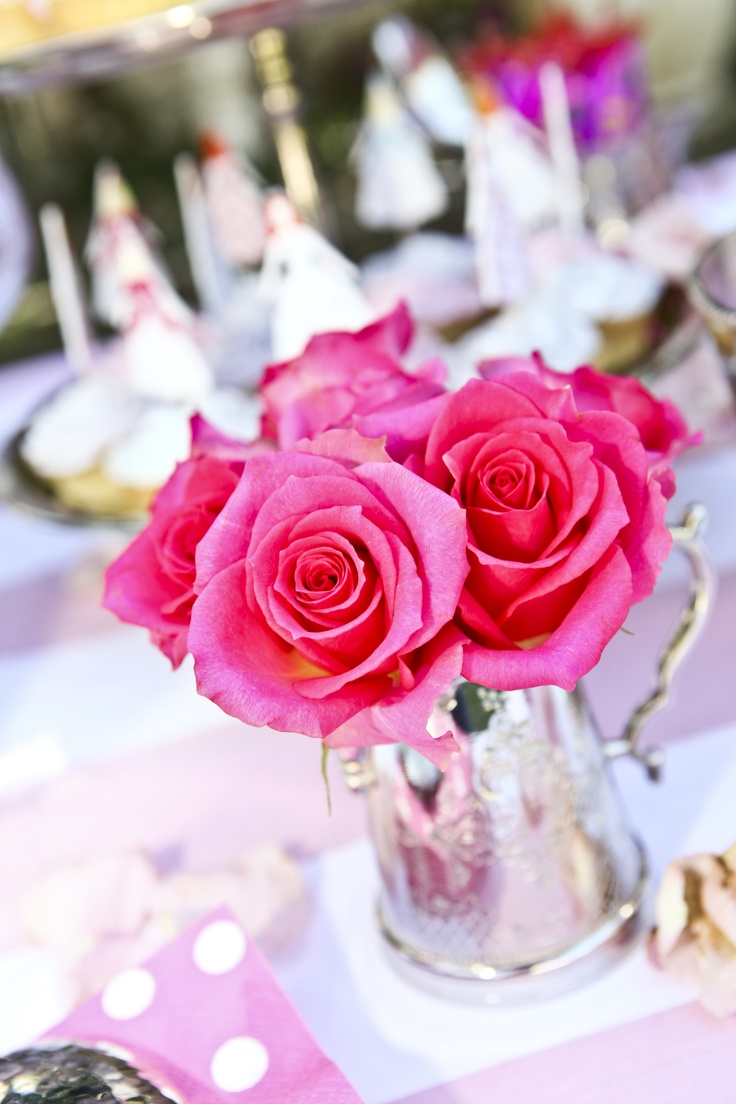 Pretty pink roses for table decorations