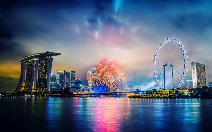 fond-d-ecrans-hd-avec-une-jolie-vue-vers-le-cité-pres-de-la-mer-pendant-la-nuit.jpg (700×437)