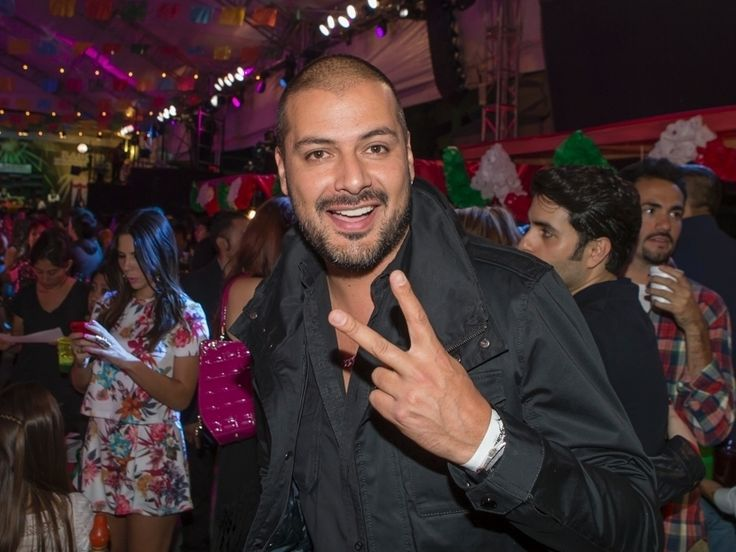 A quien nos encontramos muy divertido en la gran noche de Fiesta Mexicana, fue a Tommy Vásquez, a quien recientemente lo vemos en El señor de los cielos.  El actor se encontraba degustando unos deliciosos esquites y nos comentaba lo mucho que le encantan.  El colombiano aseguró que es la primera vez que... Ver artículo