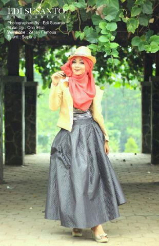 HIJAB STYLE,WARDROBE BY ZENSY FAMOUS MODEL BY SEPTINA,MUA BY ONE ELLSA,PHOTO BY EDI SUSANTO