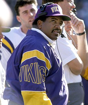 Former Vikings and Cardinals coach Dennis Green has passed away at the age of 67, his family announced Friday. He famously coached Minnesota to a 15-1 season in 1998.