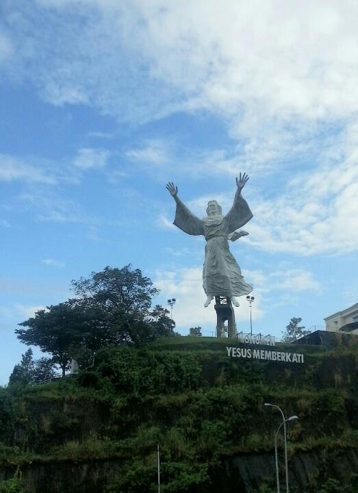 Monumen Yesus memberkati#Citraland#Manado