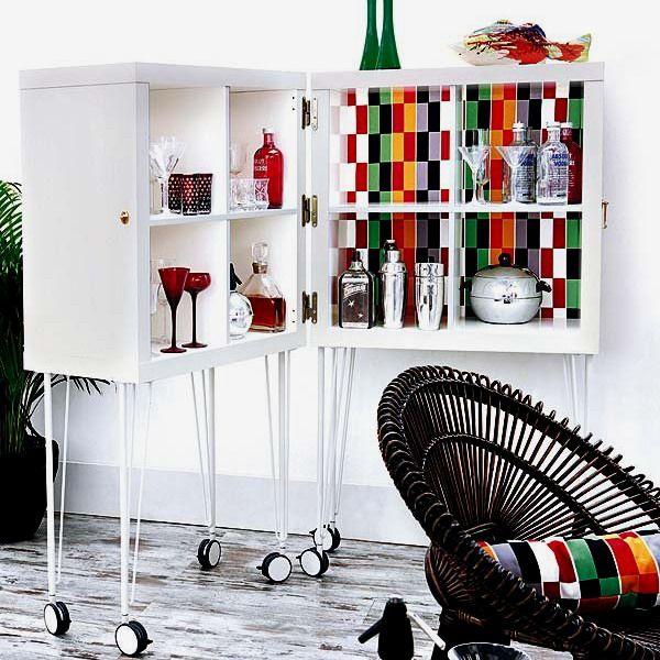 сделайте своими руками домашний бар из икеевских стеллажей, необычных ножек и декора, такой домашний бар станет практичной и оригинальной мебелью для интерьера