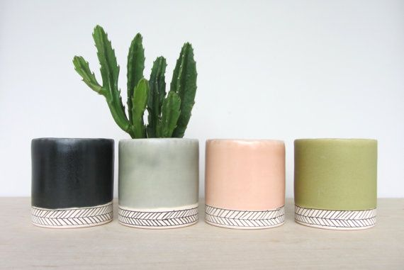 Small Round Herringbone Pinched Planter  Made to Order by ebenotti