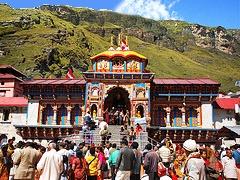 Badrinath Temple right bank of Alaknanda