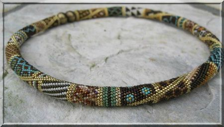 pattern for this beautiful bead crochet made in sections?