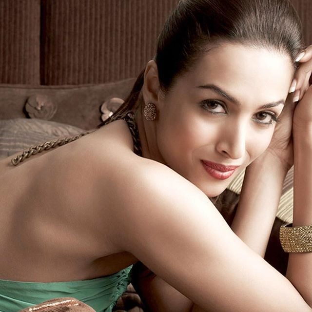 Malaika Arora Khan's HD Wallpapers Free Download From- www.billionwallpapers.com   #sexymom #indianactress #dancer #model #vj #bollywood #actress #hotactress #sexy #sexylady #sexymodel #hot #photographylovers #photooftheday #malaikaarorakhan #malaika2017 #wallpaper #hdrphotography #billionwallpapers @malaikaarorakhanofficial