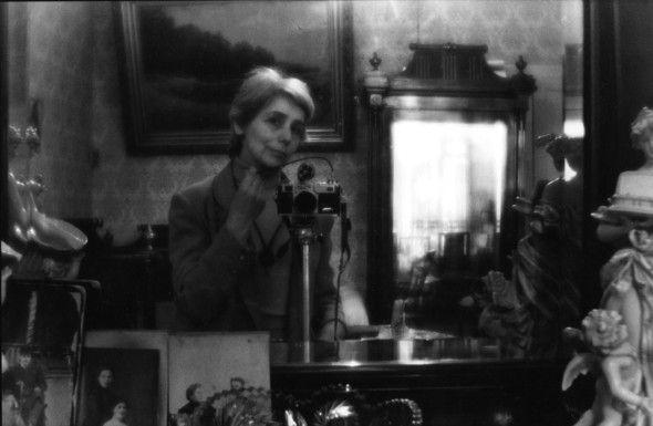 Людмила Таболина. Автопортрет в интерьере. Изображение №1.