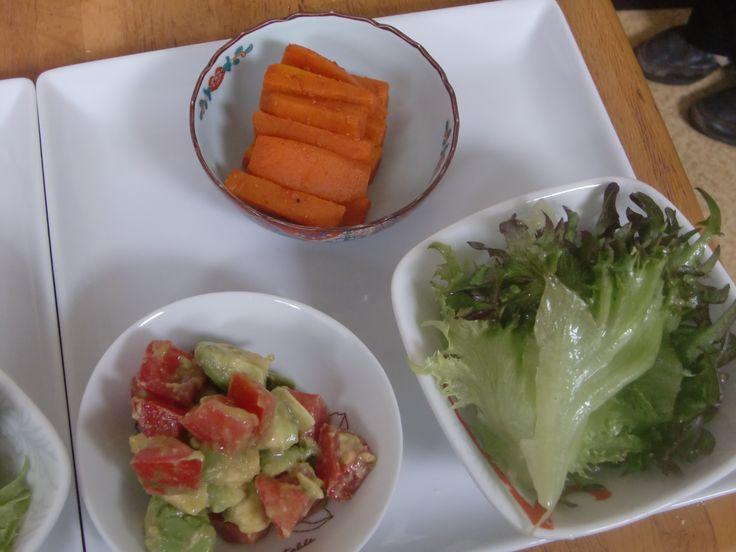 2014年6月のたまねぎ食堂(モロッコ料理)で提供した前菜です!!