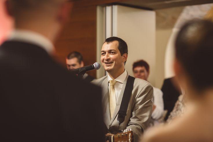 Ajándék esküvőre: Meglepetésdal a pár sztorijából - élő előadás (Street Gábor Huba trubadúr, Fotó: Molnár Roland)