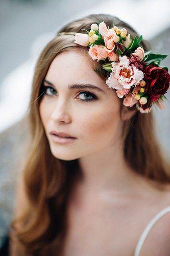 Flower-Power-Frisuren: Jetzt wird's blumig! Die schönsten Looks - jetzt auf gofeminin.de!