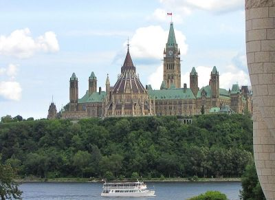 Parliament Hill sits grandly above the Ottawa River and is home to the Parliament of Canada in the capital city of Ottawa. Some 3 million people visit Parliament Hill annually and this famous site is home to numerous statues and monuments reflecting the history of Canada.
