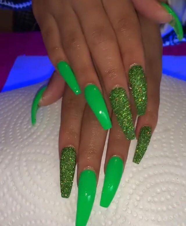 Pin By Milica Trajkovic On Nail Long In 2020 Green Acrylic Nails Green Nails Cute Nails