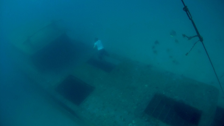 Freediving - exploration of 22m deep wreck   Koh Racha - Thailand