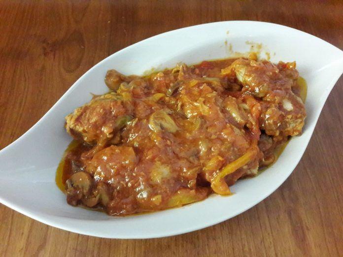 Μεθυσμένο κοτόπουλο με μπύρα πολύχρωμες πιπεριές και μανιτάρια(3 μονάδες)