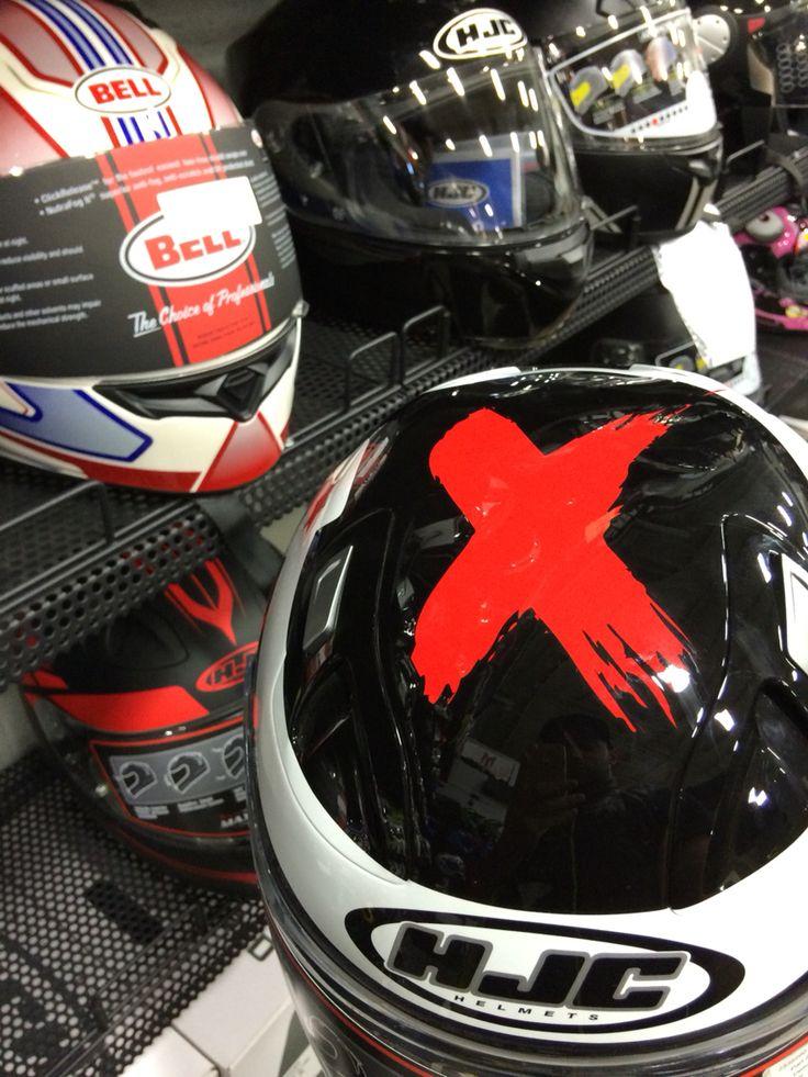 Lorenzo's graphic on a helmet, tempting !
