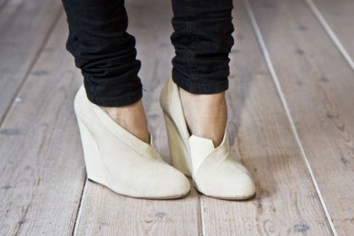 white wedges.Fashion Weeks, Style, Closets, Ankle Boots, White, Wedges Shoes, The Hunting, Black, Cream Wedges