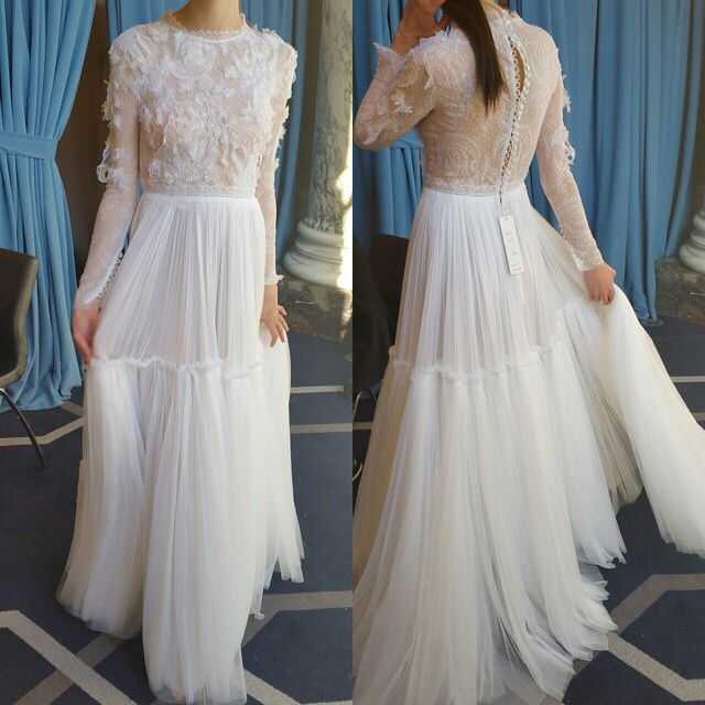 Special thanx to bridal stylist @vaingloriousbrides for posting this beautiful image from our #newyorkbridalfashionweek presentation! #madeingreece #costarellosbride #nycbride #bridalmarket