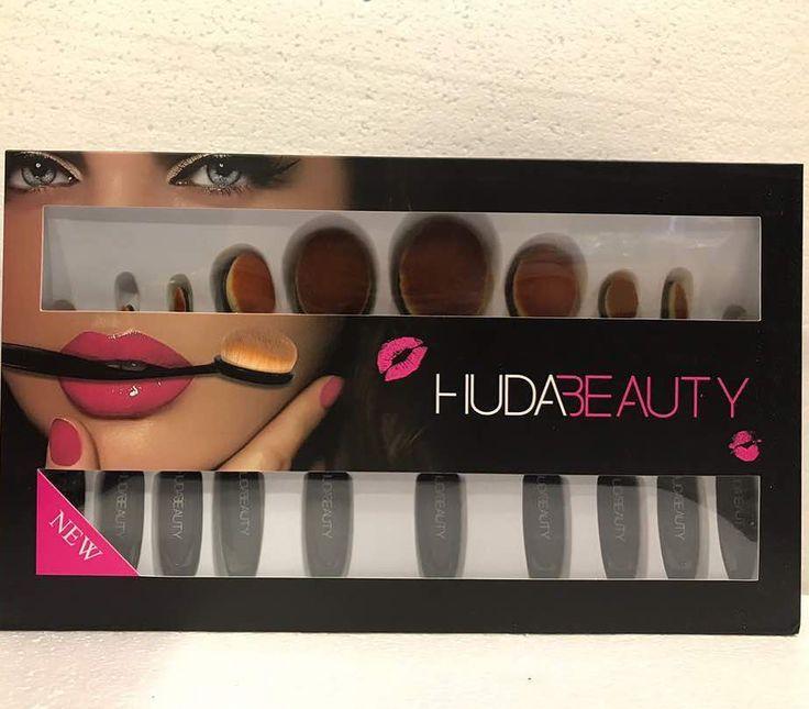 Huda Beauty brush set ��  For more details ❤DM or WHATSAPP +917710815030  #fashion #beauty #cosmetics #huda #kylie #mac #anastasiabaverlyhills #kissbeauty #urbandecay #time_n_shades #glam___store #makeup #swag_bag_store #onlineshopping #allinonestore #lipstick #brushset #eyeshadowpalette #highlighter #foundation #mascara #kajal #liquidmatte #eyeliner #concealer #lipcontour #blusher #nailpaints #highlighter #mumbai #hudabeautybrushset…