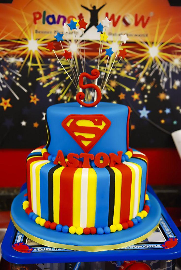 1000 ideas about superman cakes on pinterest batman cakes - Swanky Chic Fete S C F Parties Superhero Cake