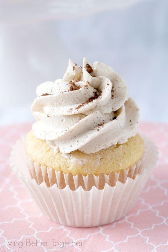 FRENCH Vanilla Cappuccino Cupcakes #classic #cupcakerecipe http://thecupcakedailyblog.com/french-vanilla-cappuccino-cupcakes/