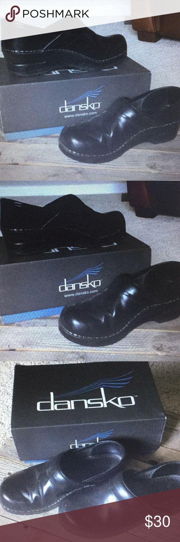 Dansko Professional Cabrio Dansko Black Shoes in good condition. Cabrio very com…
