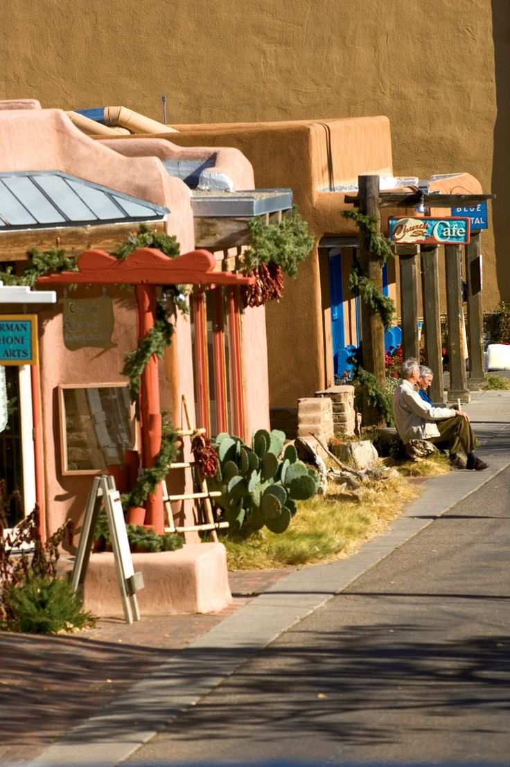 old town albuquerque restaurants | and restaurants line the streets of historic Old Town Albuquerque ...