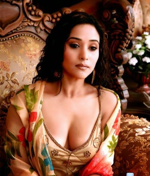 Latest Nepali Song Download On 320kbs: Nepali Actress Niruta Singh Cleavage Show Pictures