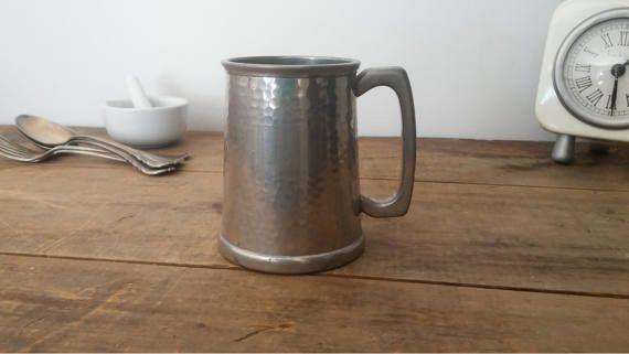 bock en étain fait en Angleterre antique par RosieVintageBasket