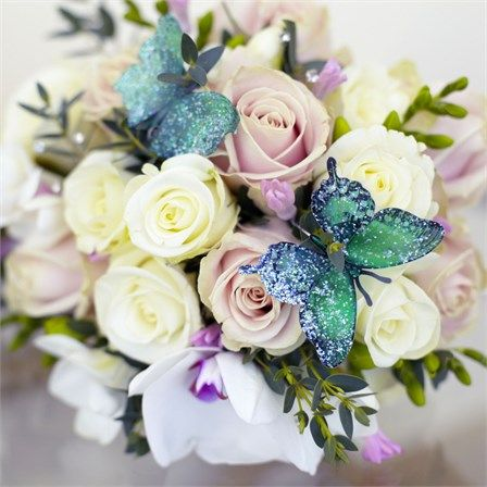 Charlie and Louise's festival-meets-butterflies themed wedding! #hitchedrealwedding