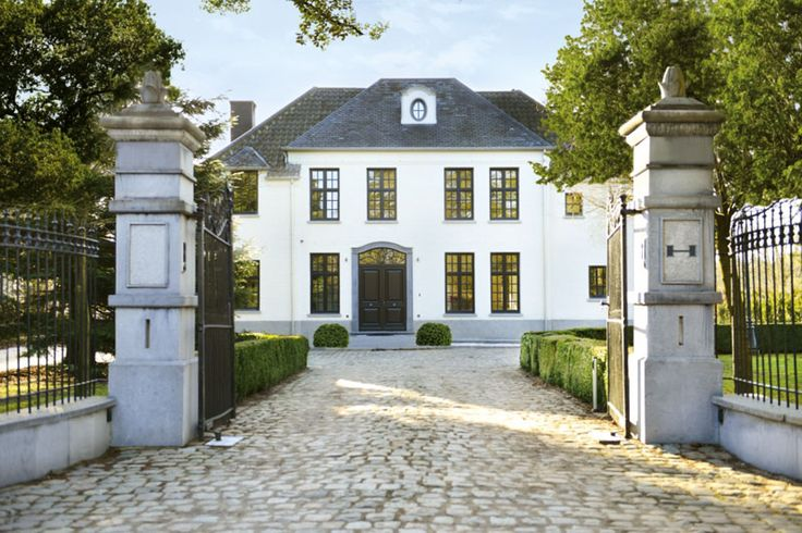 Realization Habitude Villabouw, Maasmechelen - Belgium. Image via the magazine Home Sweet Home.