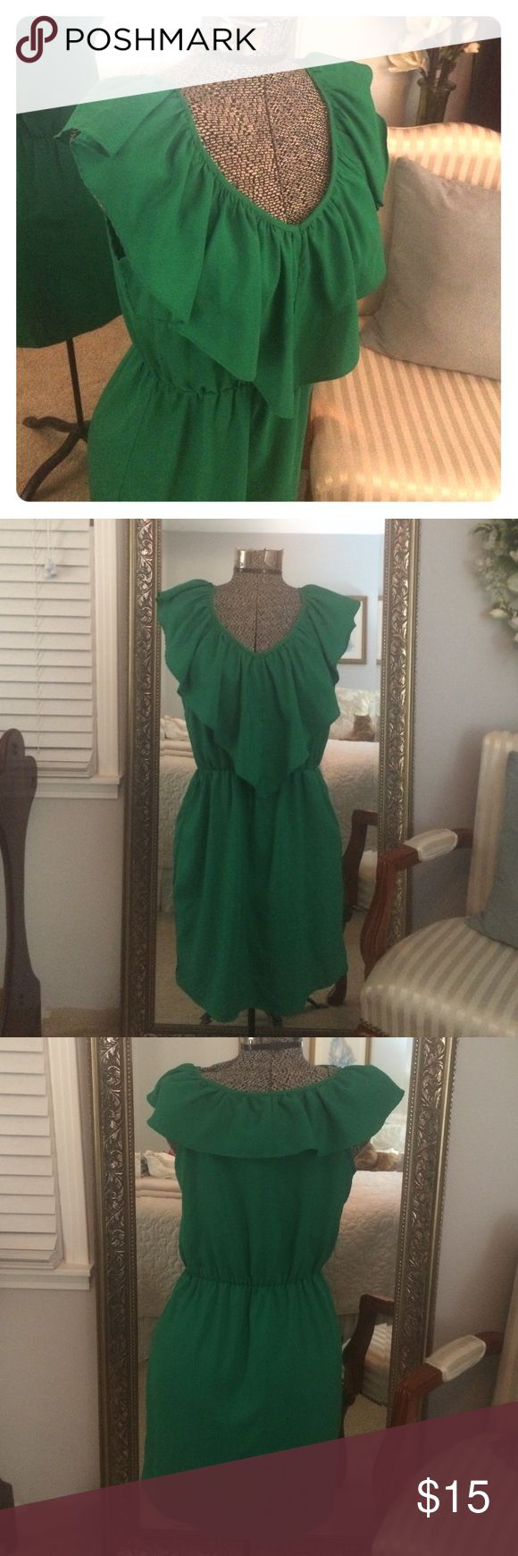 Kelly green Off Fifth dress size S Kelly Green dress purchased from Off Fifth. Size small. Barely worn so it's in like new condition. A New York Dresses Mini